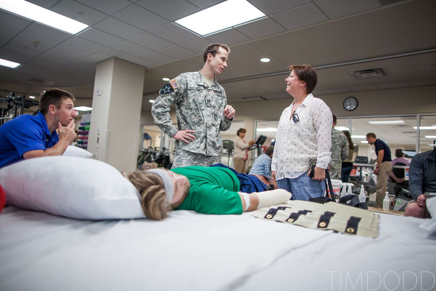 Tim Dodd Photography of Cedar Falls Iowa visits friend Taylor Morris a quad amputee injured while serving in Afghanistan