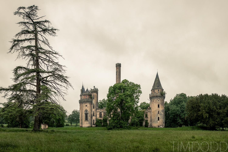 Tim Dodd Photography finds an old decrepit castle in France