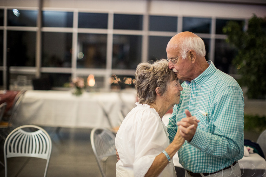 Tim-Dodd-Photography-Cedar-Falls-Waterloo-Iowa-International-wedding-0047