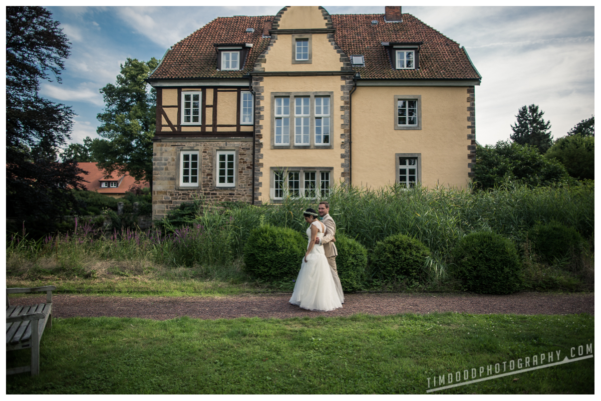 Germany wedding photographer professional western united states traveling travel abroad photography international destination weddings feature Switzerland Italy France Norway Denmark Sweden Poland Spain Germany Hannover Hanover Rittergut grossgoltern Tim Dodd photography Cedar Falls Waterloo Iowa Deutschland Hochzeit Photograf Reisen Photografie Hochzeitsphotografie Schweiz Italien Dänemark Spanien Polen Frankreich Norwegen