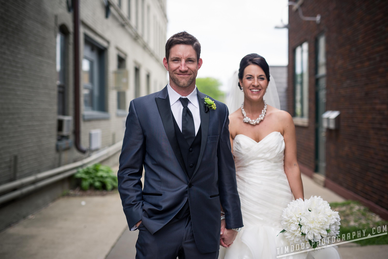 Cedar Falls Iowa wedding photographers photography photos pro digital rights bride groom best award winning Tim Dodd Photography Waterloo Cedar Rapids Des Moines Iowa Midwest international UNI
