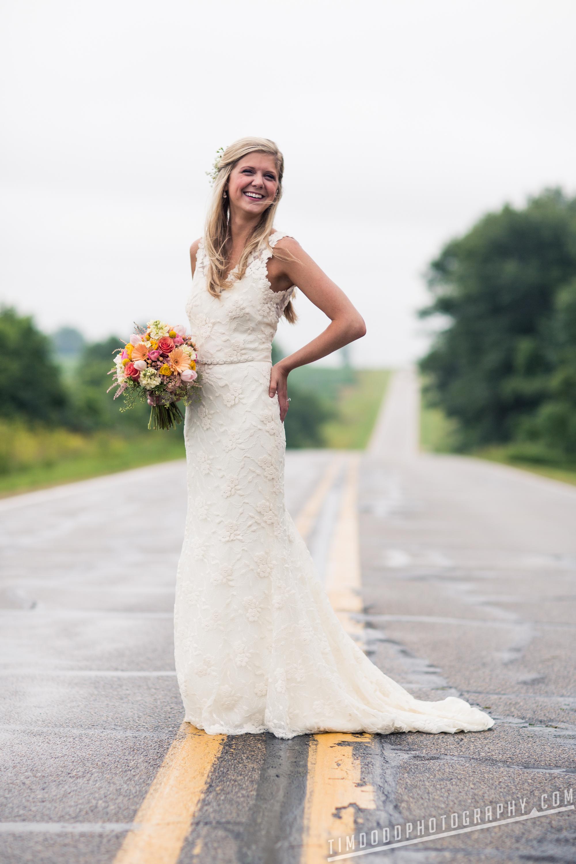 Spillville Cedar Falls Iowa wedding photographers photography photos pro digital rights bride groom best award winning Tim Dodd Photography Waterloo Cedar Rapids Des Moines Iowa Midwest international beautiful bride