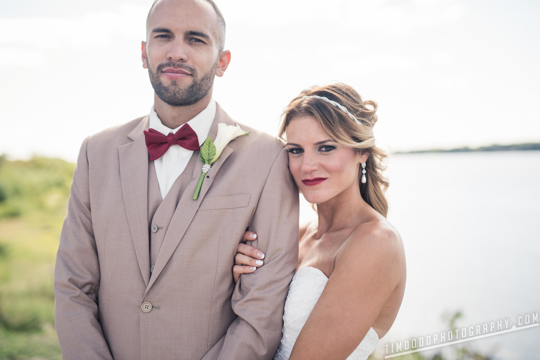 Clinton Iowa Mississippi river wedding photos pics pic professional pro photographer photography best award winning digital rights bride groom Tim Dodd Photography Cedar Falls Iowa