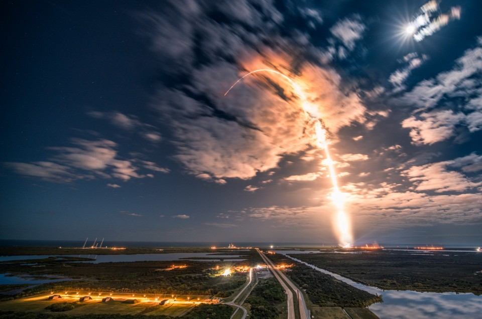 Taking pictures of rockets: Remote triggers, camera settings and streak shots