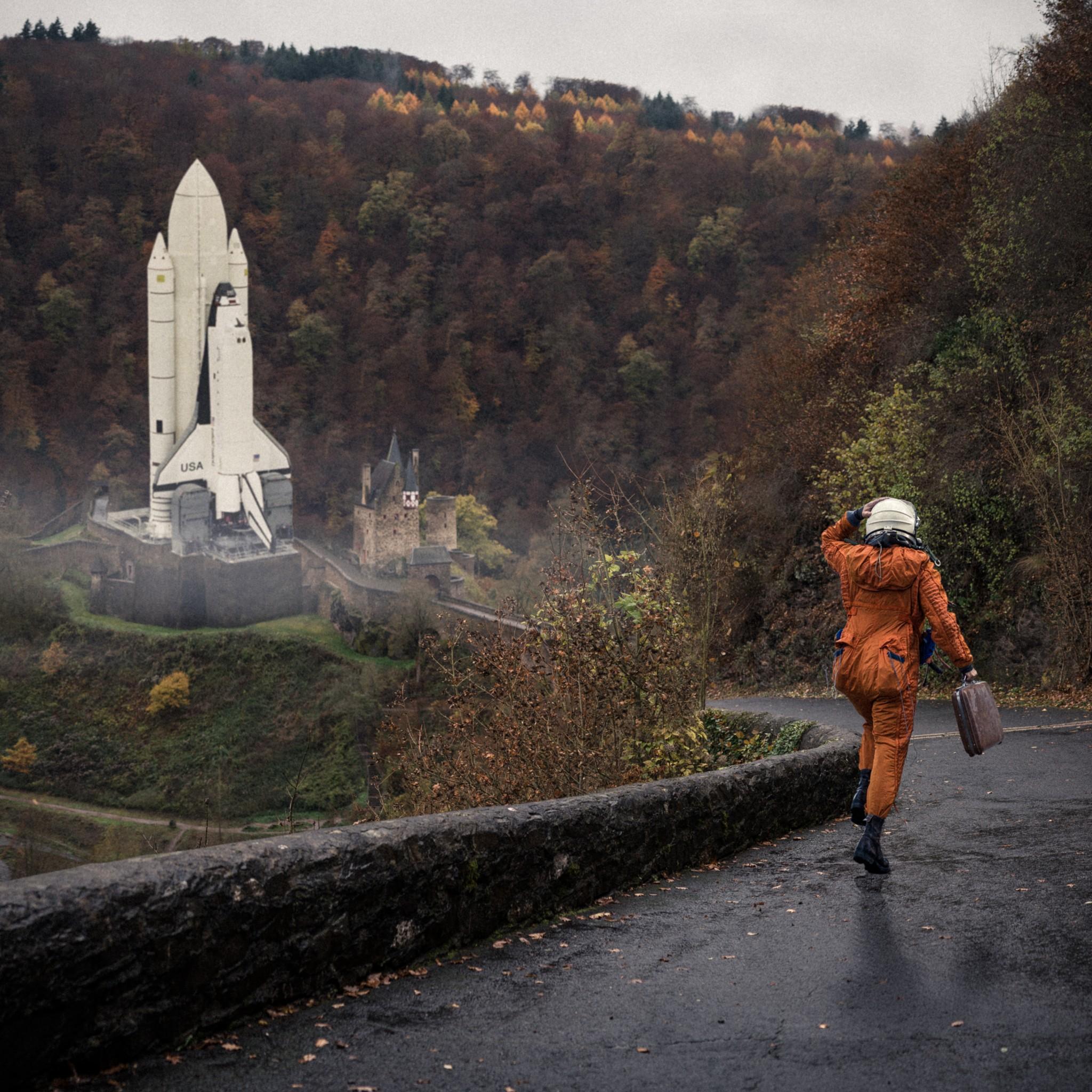 Everyday Astronaut Germany Space Shuttle Public Speaker art STEM STEAM schools corporate art science math